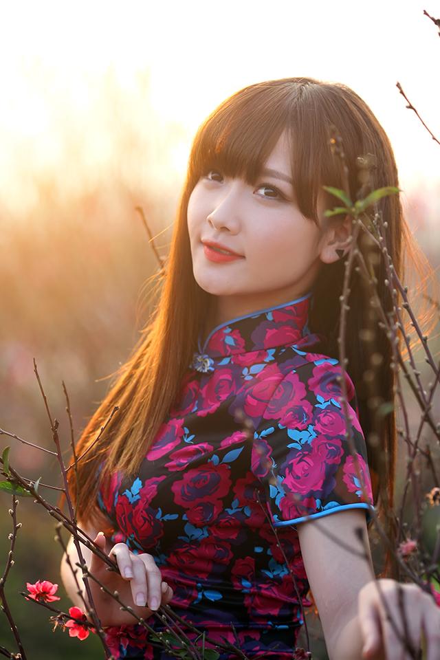 ngam-nu-mc-9x-huong-hana-khoe-sac-don-xuan2b252832529